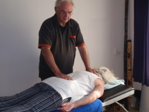 magnetiseren als handoplegging bij adem-therapie of ademtherapie ook wel bekend als rebirthing